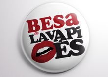 min imagen chapa Besa en Lavapies por La Bola Ocho